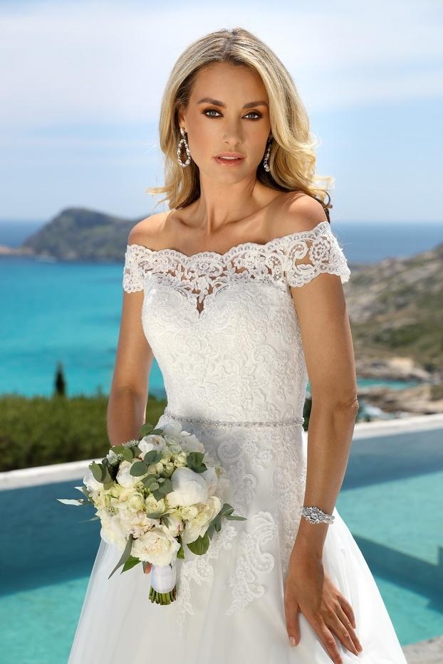 420052-01841-Ladybird-trouwjurk-bruidsmode-bruidsjurk-622x933