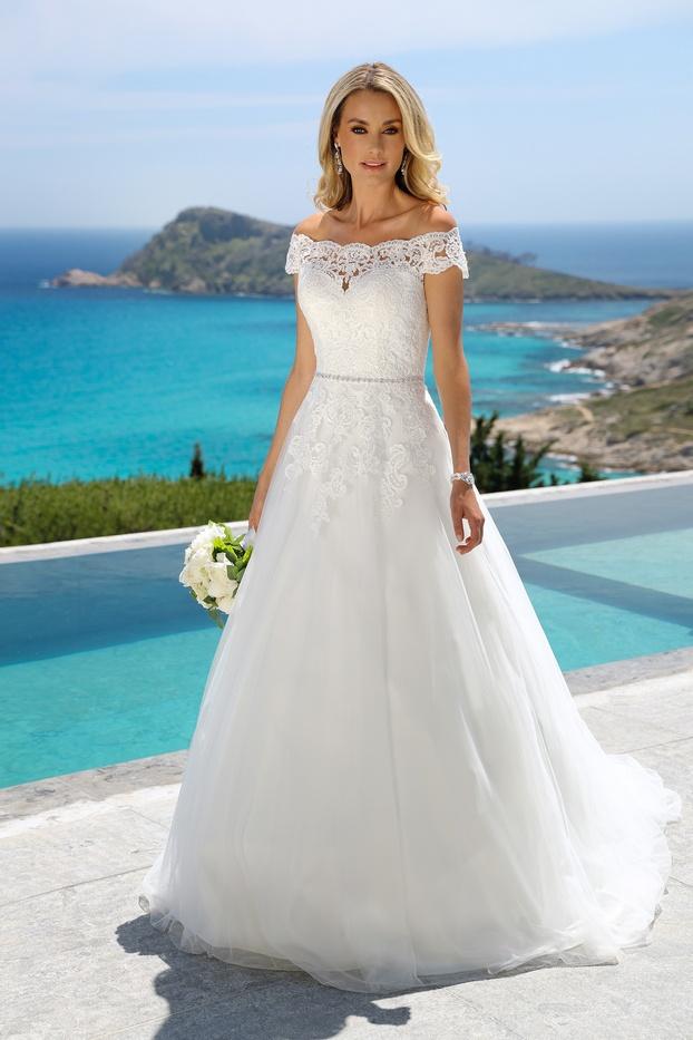 420052-01760-Ladybird-trouwjurk-bruidsmode-bruidsjurk